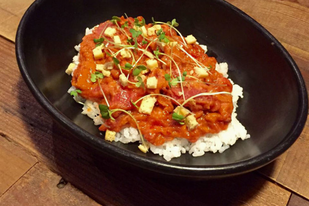 Spicy red tuna tartar with sushi rice (Photo by Canalla Bistro).