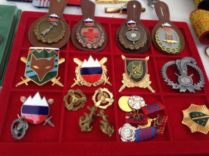 military-memorabilia-at-the-flea-market